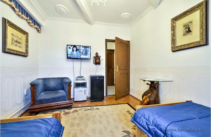 Orlé Miklós szoba